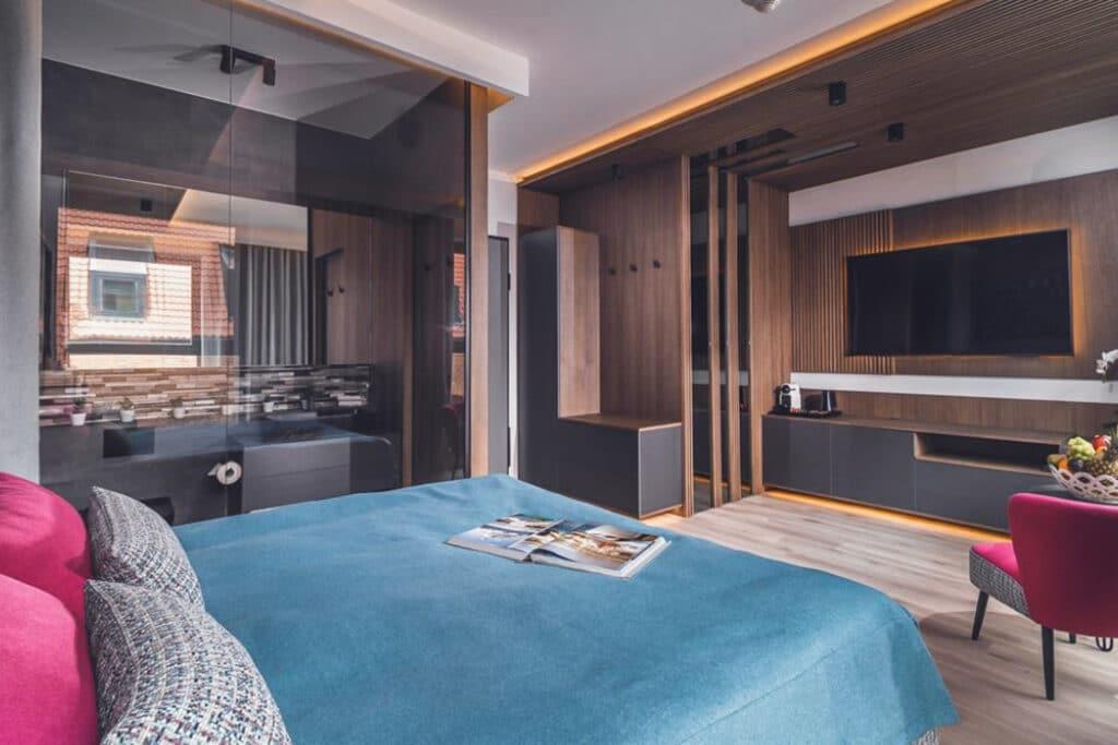 Aranżacja Mieszkania #7, stworzona i wykonana przez warsztat Don't Worry, tworzący aranżację wnętrz oraz wykonujący meble na zamówienie.