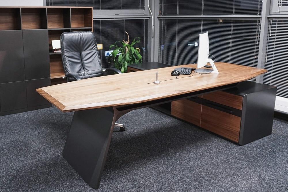 Biurko Adwokat, stworzone i wykonane przez warsztat Don't Worry, tworzący aranżację wnętrz oraz wykonujący meble na zamówienie.