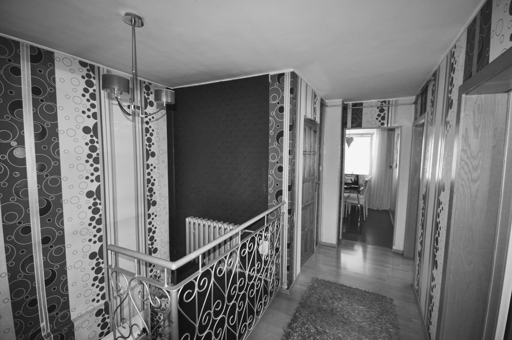 Remont w Domu #1, wykonany przez warsztat Don't Worry, tworzący aranżację wnętrz oraz wykonujący meble na zamówienie.