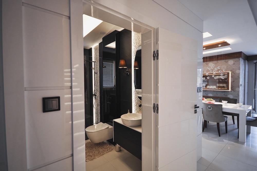Remont w Domu #2, wykonany przez warsztat Don't Worry, tworzący aranżację wnętrz oraz wykonujący meble na zamówienie.