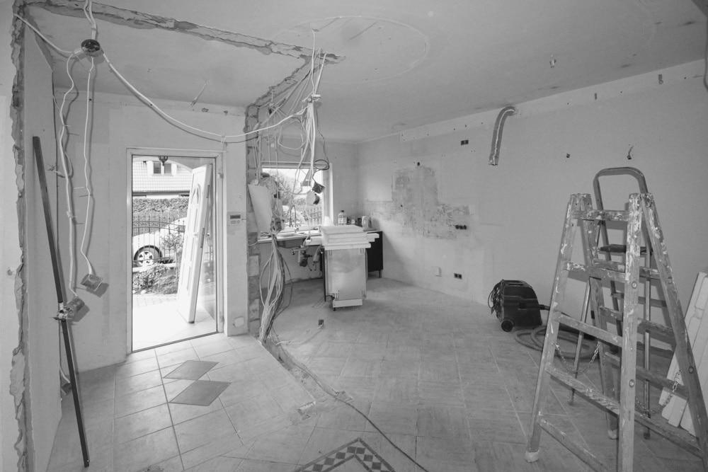 Remont w Domu #3, wykonany przez warsztat Don't Worry, tworzący aranżację wnętrz oraz wykonujący meble na zamówienie.