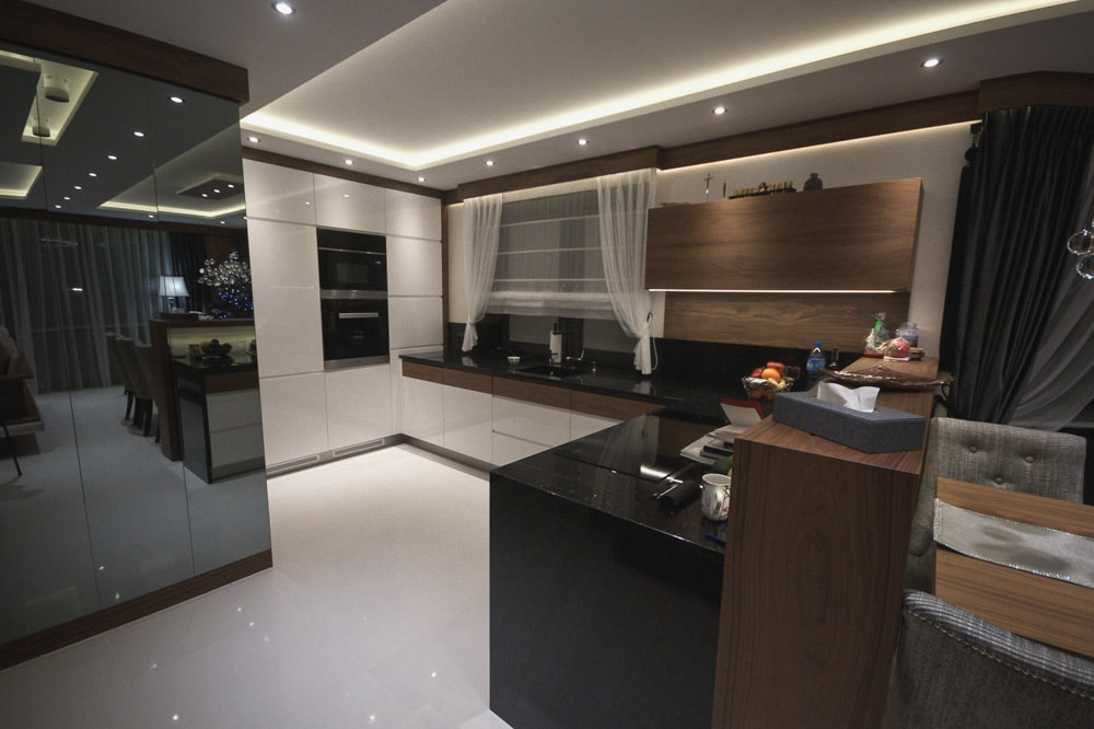 Aranżacja Mieszkania #4, stworzona i wykonana przez warsztat Don't Worry, tworzący aranżację wnętrz oraz wykonujący meble na zamówienie.