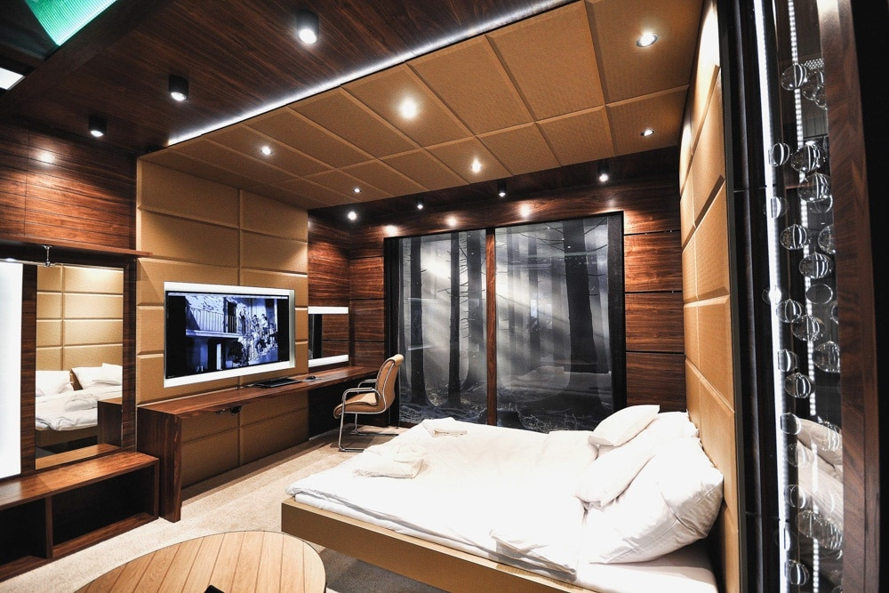 Pokój Hotelowy, stworzony i wykonany przez warsztat Don't Worry, tworzący aranżację wnętrz oraz wykonujący meble na zamówienie.