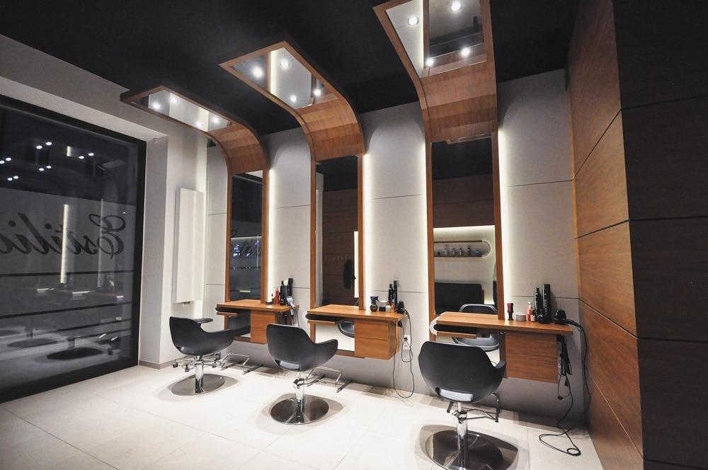 Salon Fryzjerski, stworzony i wykonany przez warsztat Don't Worry, tworzący aranżację wnętrz oraz wykonujący meble na zamówienie.