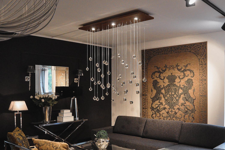 Lampa Rain, stworzona przez warsztat Don't Worry Polska, produkujący meble na zamówienie.