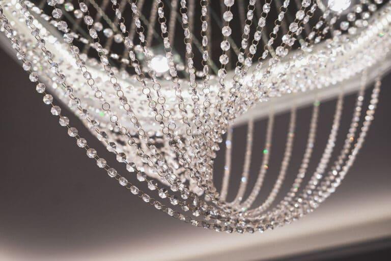 Lampa Rain Classic, stworzona przez warsztat Don't Worry Polska, produkujący meble na zamówienie.