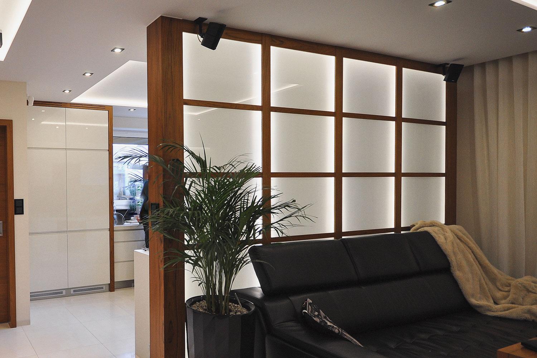Panel GlassMat, stworzony przez warsztat Don't Worry Polska, produkujący meble na zamówienie.